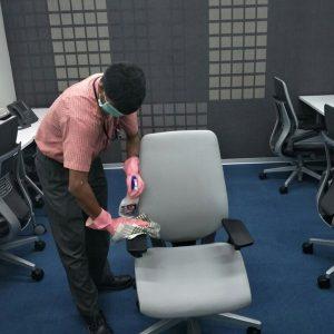 cuci kursi kantor