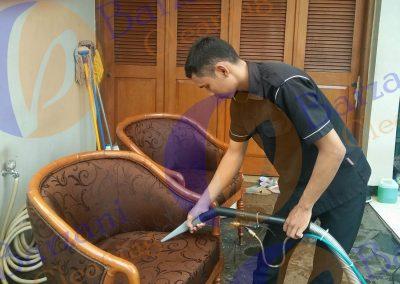 cuci kursi